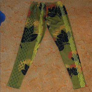 Pants - Hawaiian ʻōhiʻa lehua fleece leggings